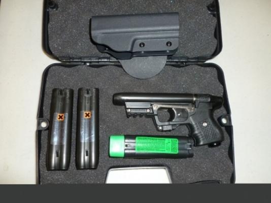 JPX Black Laser Pepper Gun Bundle with Paddle Holster